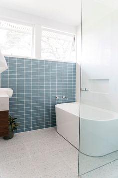 Bathroom Feature Wall Tile, Modern Bathroom Tile, Modern Shower, Bathroom Interior Design, Blue Bathroom Tiles, Bathroom Designs, Back To Wall Bath, Boutique Bathroom, Modern Flooring