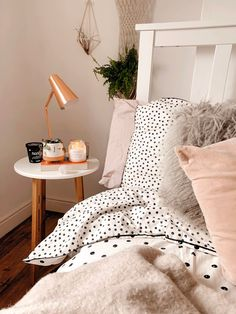 A Homeware Wishlist + Etsy Shops To Check Out - - Spring Homeware Wishlist and Etsy Shops To Check Out. Cute Bedroom Ideas, Room Ideas Bedroom, Diy Bedroom Decor, Home Decor, Bedroom Inspo, Aesthetic Room Decor, Cozy Room, Home And Deco, Decoration Table