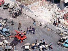 1992 Strage di via D'Amelio: attentato mortale per il giudice Paolo Borsellino e gli agenti della sua scorta. Anche in questo caso si tratta di un omicidio di stampo mafioso, come per il collega e amico Giovanni Falcone.