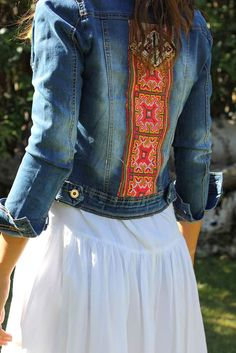 Hmong Clothes - Designer Outfits for Dance and Performance Mode Hippie, Bohemian Mode, Boho Chic, Bohemian Style, Gypsy Style, Hippie Style, Hippie Boho, Mode Style, Style Me
