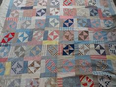 What a great scrappy pattern, simple with half square triangles. Old Quilts, Antique Quilts, Vintage Quilts, 4 Patch Quilt, Primitive Quilts, Quilt Patterns, Quilting Ideas, Textiles, Quilt Top