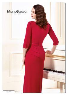 Vestido en crep de seda en color rojo, ideal para estas fiestas. #vestidodelasemana