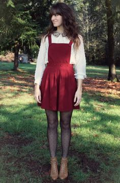 Not sure what I think about the red overall skirt, but it's cute :) Dress Outfits, Casual Outfits, Cute Outfits, Apron Dress, Dress Up, Pinafore Dress Outfit, Diy Fashion, Autumn Fashion, Red Overalls