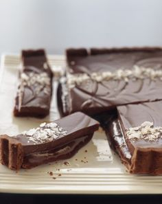 Chocolate Caramel Tart | via Interiors Addict #chocolate #caramel #tart