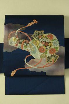 Deep navy nagoya obi / 濃紺色地 雲と鼓巻物お太鼓柄 名古屋帯   #Kimono #Japan http://global.rakuten.com/en/store/aiyama/