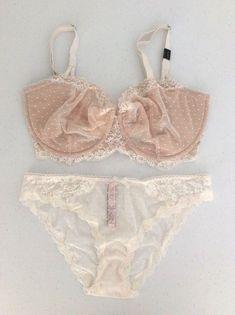 48d78786189 VICTORIA SECRET Dream Angel Dot Lace Wicked Unlined Uplift Bra/Panty Set  36DDD/M