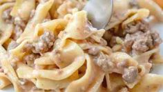 Amish Country Casserole is an easy and budget-friendly meal. Egg noodles, ground beef, special sauce and seasonings with a touch of cheese! Crockpot Recipes, Chicken Recipes, Cooking Recipes, Baked Chicken, Pasta Recipes, Amish Country, Country Cook, Ritz Chicken Casserole, Beef And Noodles