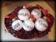love     hope    joy holly     jolly     noel simplify     dream believe
