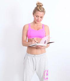 Devenez votre propre coach personel ! Tenir un journal quotidien avec vos entraînements et votre alimentation est le meilleur moyen de suivre vos progrès et de prendre conscience de vos habitudes.  Fixez vos objectifs pour cette nouvelle rentrée et réalisez vos rêves