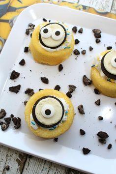 East Coast Mama: Minions Cookie Cakes Recipe