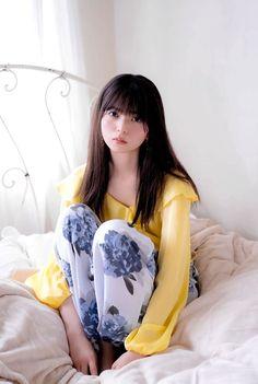 Japanese Beauty, Japanese Girl, Asian Beauty, Girl Short Hair, Short Girls, Pop Fashion, Unique Fashion, Saito Asuka, Sexy Asian Girls