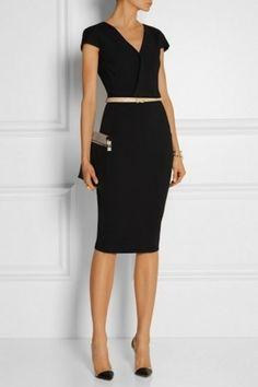 Black stretch-jersey dress and metallic skinny belt Fashion Mode, Office Fashion, Business Fashion, Work Fashion, Womens Fashion, Fashion Trends, Business Casual, Business Formal, Fashion Details