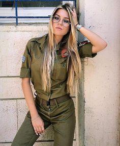 (notitle) - military - Women in Uniform Idf Women, Military Women, Mädchen In Uniform, Israeli Girls, Female Soldier, Army Soldier, Brave Women, Military Girl, Girls Uniforms