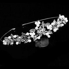 Gorgeous Alloy with Rhinestone and Pearl Flower Design Bridal Tiara Headpieces – NOK kr. 97