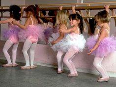 Google-kuvahaun tulos kohteessa http://www.ratherbedancin.com/images/Ballet-040.jpg%3Fnxg_versionuid%3Dpublished