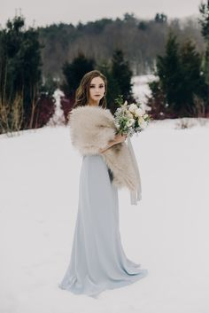 Photographer: Valley of Wonder ( Model: Olivia Ciarfella ( Winter Wedding Coat, Snow Wedding, Winter Bride, Winter Wonderland Wedding, Wedding Pics, Wedding Dresses, Winter Weddings, Wedding Wraps, Wedding Games