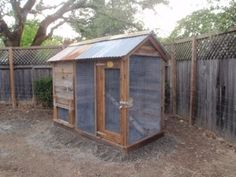 THE BARN CHICKEN COOPS: