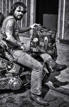 Old School Motorcycles, Motorcycle Clubs, Vintage Motorcycles, Biker Clubs, Biker News, Tribes Of The World, Mermaid Stories, Old School Chopper, Old School Vans