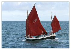 """""""Vierge de Lourdes"""",  caïque d'Yport, pays de  Caux. These strong boats are the last to work from the peebles beaches of Yport & Etretat. The mainmast has been suppressed."""