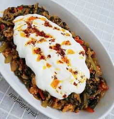 Pazı Yemeği – Salata meze kanepe tarifleri – The Most Practical and Easy Recipes Easy Salad Recipes, Easy Salads, Pasta Recipes, Crab Stuffed Avocado, Cottage Cheese Salad, Turkish Recipes, Quick Meals, Love Food, Food And Drink
