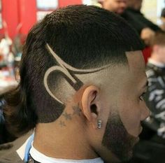 Haircut masculino gordo Ideas for 2019 Hair Designs For Men, Hair And Beard Styles, Hair Styles, Low Fade Haircut, Shaved Hair Designs, Hair Barber, Barbershop Design, Hot Haircuts, Faded Hair
