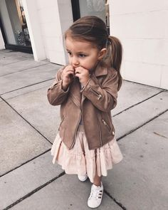 [open|girl please] || Louis || I had taken my daughter out for the day. We went shopping, and got lunch together. I pick her up as we finish eating. As we're about to leave, I hear you call my name..
