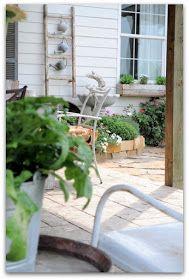 V I N T A G E O L O G I E: Porch of the Month ... June