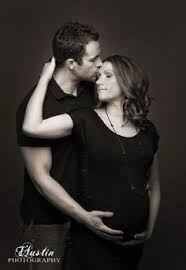 Résultats de recherche d'images pour « indoor maternity shoot ideas »