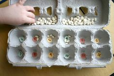 Egg Carton Math is a game you can create for kids. It is a fun activity for the kids and the learn math concepts while they play the game. Counting Activities, Math Games, Toddler Activities, Home Learning, Fun Learning, Teaching Kids, Games For Kids, Diy For Kids, Crafts For Kids