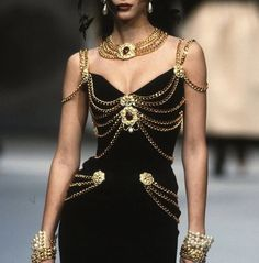 """savanna: """" vlada-sasha-natasha: """"Chanel Couture 1992 """" Sailor Pluto wore this. """" savanna: """" vlada-sasha-natasha: """"Chanel Couture 1992 """" Sailor Pluto wore this. Chanel Couture, Chanel Runway, Style Haute Couture, Couture Fashion, Runway Fashion, Womens Fashion, Chanel Chanel, Versace Fashion, Chanel Fashion"""