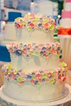 Vanilla Cake, Wedding Cakes, Desserts, Food, Tailgate Desserts, Meal, Wedding Pie Table, Dessert, Eten
