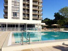 Courtyard by Marriott Miami Coconut Grove: Located in Miami's trendy Coconut Grove, overlooking sparkling Biscayne Bay, this hotel is ideal for business or pleasure. The 20-floor high-rise building features breathtaking views of Miami and Biscayne Bay. #Hotels #Miami