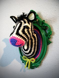 I am obsessed with this girls crocheted taxidermy animals. Crochet zebra head by ManafkaMina on Etsy. Crochet Zebra, Crochet Diy, Crochet Home Decor, Love Crochet, Learn To Crochet, Crochet Crafts, Yarn Crafts, Yarn Bombing, Yarn Projects