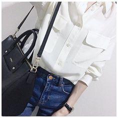 ViVi ViVi 6月号p167で着てた私服コーデ この日のスナップ用に急遽買ったデニムが なんだかんだで最近のお気に入り やっと一枚で着れるEQUIPMENTのシャツは これからたくさん着回すつもり #ai_fashion #ai_pic #ai_ViVi #EQUIPMENT #エキプモン #silkshirt #シルクシャツ #Bershka #ベルシュカ #denim #デニム #GUCCI #グッチ #vintage #watch #腕時計 #FURLA #フルラ #shoulderbag #ショルダーバッグ by 518aichi