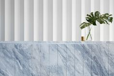 The Inner Workings: Case Meallin Offices by Mim Design Interior Design Blogs, Modern Interior, Interior Inspiration, Interior Architecture, Design Entrée, Lobby Design, Design Studio, Wall Design, Design Case