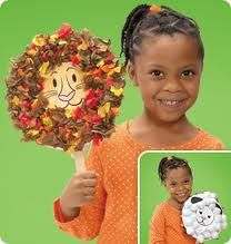 Lion & Lamb Craft from  http://www.lakeshorelearning.com/general_content/free_resources/teachers_corner/projects/lionLamb.jsp?f=seasonal