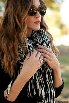 Katie Cassidy, scarf