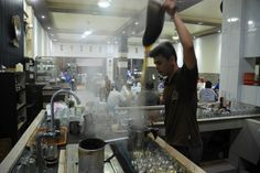 Tradisional Coffee Maker at #acehindonesia#  www.acehtravelguide.com