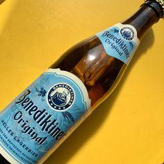 Benediktiner Original, Helles Lagerbier (Lager* blonde) - Benediktiner Weissbräu GmbH -Allemagne. Nez de foin plaisant, bouche au léger caractère animal. Une blonde affirmée. 13/20 (mars 2017) *fermentation basse