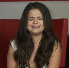 Selena Gomez Crying, Justin Bieber Wallpaper, Wtf Face, Marie Gomez, Hollywood Celebrities, Reaction Pictures, Beauty Queens, Woman Crush, Funny Faces