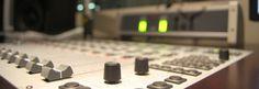 As rádios AM devem ganhar um novo fôlego chegando à frequência FM. Como a maioria dos aparelhos modernos, como smartphones ou tablets, não capta a faixa AM, as emissoras perderam rapidamente uma grande parcela de audiência, de acordo com Paulo Bernardo, Ministro das Comunicações.Na 43ª Assembleia Ge