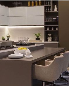 75 kitchen trends that are dominating 2019 27 Luxury Kitchen Design, Best Kitchen Designs, Interior Design Kitchen, Home Decor Kitchen, New Kitchen, Modern Kitchen Cabinets, Kitchen Trends, Küchen Design, Cool Kitchens