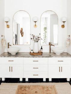 Inspiration - Chinoiserie Bathroom Renos, Small Bathroom, Bathroom Ideas, Decorative Bathroom Mirrors, Bathroom Vanity Decor, White Bathrooms, Neutral Bathroom, Luxury Bathrooms, Master Bathrooms