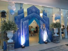Frozen Birthday Party, Frozen Theme Party, 5th Birthday, Frozen Party Decorations, Birthday Party Decorations, Party Favors, Festa Frozen Fever, Frozen Princess, Disney Frozen Castle