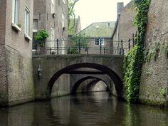 Den Bosch; Binnen Dieze Bridge after bridge after ....