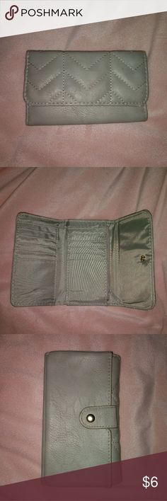 Small wallet Good condition Rue21 Bags Wallets