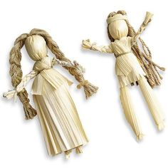 Corn Husk Dolls - Use corn husks to make a classic Native American Toy to use as Thanksgiving decorations or a fun fall craft for kids. thanksgiving