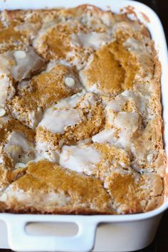 Pumpkin Earthquake Cake Pumpkin Earthquake Cake is hands down one of the best pumpkin cake recipes ever! It's soft, and has that signature crackly top, swirled with buttery, cream cheese and coconut! The Best Pumpkin Cake Recipe, Pumpkin Cake Recipes, Pumpkin Dessert, Pumpkin Pumpkin, Pumpkin Recipes Easy Quick, Spice Cake Mix Recipes, Canned Pumpkin Recipes, Pumpkin Pie Cake, Pumpkin Foods