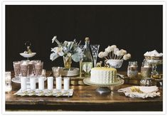 new year's eve desserts | New Year's Eve dessert table | Party Inspiration