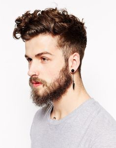 If the first ear piercing only used by women, now has long developed the trend of ear piercing for men. Ear piercing ideas is a brave body modification and much Cool Haircuts, Haircuts For Men, Beard Styles For Teenagers, Hair And Beard Styles, Curly Hair Styles, Cool Ear Piercings, Piercing Daith, Unique Piercings, Tongue Piercings